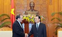 Vize-Premierminister Vu Van Ninh empfängt Industrieminister Irans