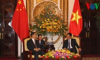 Außenminister Pham Binh Minh empfängt den Parteisekretär des autonomen Gebietes Guangxi Zhuang