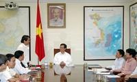 Premierminister Nguyen Tan Dung trifft Verwalter der Provinzen Phu Tho und Ha Nam