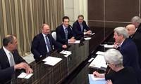 Der russissche Präsident empfängt den US-Außenminister