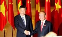 Der Parlamentspräsident Nguyen Sinh Hung empfängt den chinesischen Staatspräsidenten Xi Jinping
