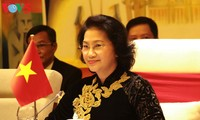 Parlamentspräsidentin Nguyen Thi Kim Ngan empfängt myanmarischen Parlamentspräsident