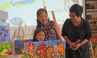 Zusammen mit Thien Nhan beim Zeichnen der märchenhafen Reise