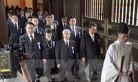 Südkorea und China protestieren gegen den Besuch von japanischen Politikern im Yasukuni-Schrein