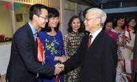 KPV-Generalsekretär Nguyen Phu Trong besucht die vietnamesische Botschaft in Indonesien