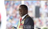 Der neue Präsident von Simbabwe löst das Kabinett auf