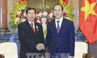 Spitzenpolitiker empfangen den Präsidenten des laotischen Volksgerichts