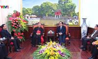 Der Erzbischof der Kirchen in Hanoi beglückwünscht die Parteileitung der Hauptstadt