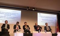 Austausch zwischen französischen Unternehmern und Vertretern der Regierung und Behörden Vietnams