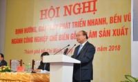 Sitzung über die Entwicklung der Holzindustrie und Forstwirtschaft