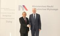 Vize-Premierminister Truong Hoa Binh nimmt am Seminar für wirtschaftliche Zusammenarbeit zwischen Vietnam und Polen teil