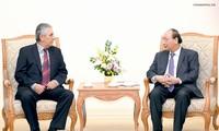 Premierminister Nguyen Xuan Phuc empfängt den Generalsekretär des Weltgewerkschaftsbunds