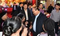 Premierminister Nguyen Xuan Phuc nimmt am Festtag der nationalen Solidarität in Bac Giang teil