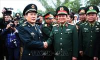 Enge Zusammenarbeit zwischen den Armeen und Bewohner an der Grenze zwischen Vietnam und China