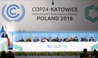 Klimakonferenz veröffentlicht die gemeinsame Erklärung trotz der spannenden Verhandlung
