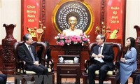 Der Parteisekretär von Ho Chi Minh Stadt Nguyen Thien Nhan empfängt den chinesischen Botschafter