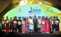 Die Modenschau in Ho Chi Minh Stadt hebt die Tracht Ao Dai hervor
