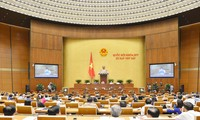 Parlament berät geändertes Arbeitsgesetz