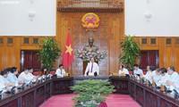Premierminister Nguyen Xuan Phuc besucht Fernsehsender VTV