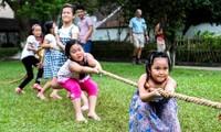 Der Festtag der Kindheit im Kultur-und Tourismusdorf der vietnamesischen Volksgruppen
