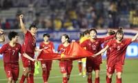 Premierminister Nguyen Xuan Phuc lobt den Geist der vietnamesischen Fußballspielerinnen
