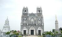Kirche Phu Nhai, eines der vier Basilika minor in Vietnam
