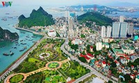 Ha Long - die Stadt an Küste