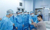 Weltweit erste erfolgreiche Transplantation eines Unterarms durch eine Lebendspende in Vietnam
