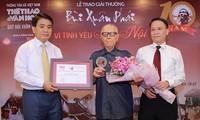 Kulturforscher Huu Ngoc veröffentlicht die Buchserie über 180 historische Persönlichkeiten