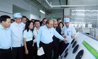 Premierminister trifft Arbeiter in der Industriezone VSIP in Bac Ninh