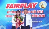Trainer Mai Duc Chung und Fußballspielerin Chuong Thi Kieu erhalten Fair-Play-Preis 2019