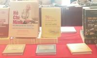 Die Ausgaben über Präsident Ho Chi Minh und den Nationalfeiertag 2.9.