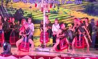 Eröffnung des Festivals für Gong-Musikinstrument in Son Tay