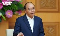 Premierminister Nguyen Xuan Phuc fordert Textilunternehmen zur Wahrnehmung der Chancen aus Freihandelsabkommen auf