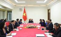Premierminister Nguyen Xuan Phuc führt Telefongespräch mit US-Präsident Donald Trump
