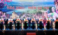 Kulturfesttag Hoa Binh in Hanoi