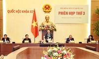 Parlamentspräsidentin Nguyen Thi Kim Ngan leitet die Sitzung der nationalen Wahlkommission