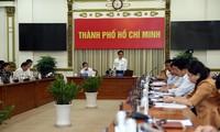 Die Regierung fordert zur Covid-19-Prävention bei Massenversammlung auf
