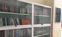 Kulturtreppe: kleine Bücherei in einem Wohnviertel