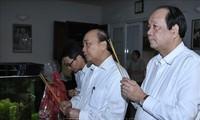 Le Premier ministre rend hommage aux dirigeants décédés