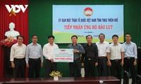 Intempéries : La Voix du Vietnam fait don de 400 millions de dongs aux sinistrés de Quang Tri et de Thua Thiên-Huê