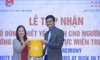 FNUAP-Vietnam aide les personnes âgées de trois provinces sinistrées du Centre
