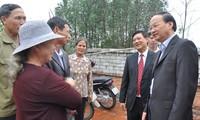 Lãnh đạo Đảng tặng quà Tết hộ nghèo tại tỉnh Bắc Ninh