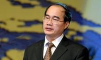 Chủ tịch Ủy ban Trung ương MTTQ Việt Nam Nguyễn Thiện Nhân thăm Tòa Giám mục Thanh Hóa