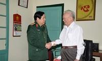 Генерал армии Фунг Куанг Тхань выразил признательность бывшим руководителям минобороны