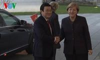 Президент СРВ и канцлер ФРГ провели переговоры
