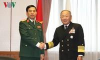 Вьетнам и Япония расширяют сотрудничество в области обороны