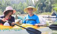 Тур по вывозу мусора в Хойане привлекает туристов