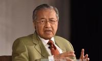СМИ Малайзии освещают визит премьера Махатхира Мохамада во Вьетнам