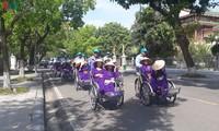 Велорикши - предпочтительное транспортное средство туристов в Хюэ